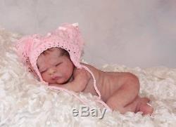 Prototype Victoria poured in skin like silicone reborn doll reborn/baby